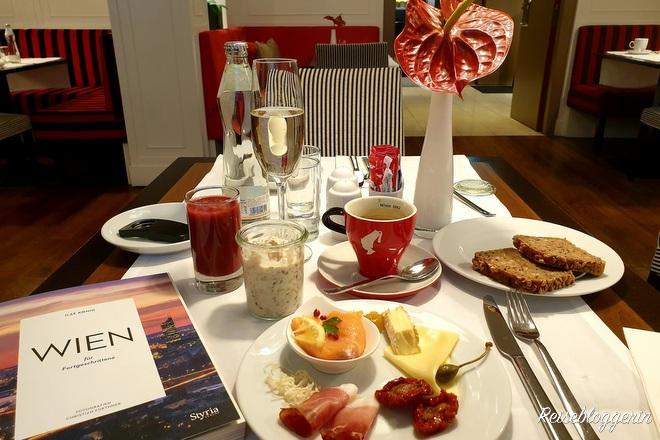 Frühstück im Hotel Harmonie
