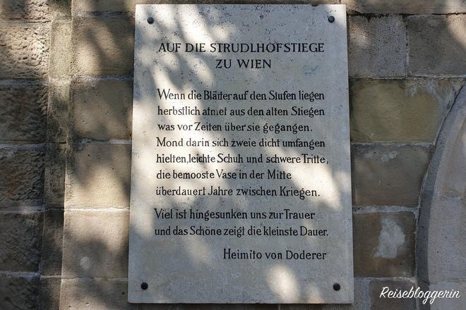 Gedicht von Heimito von Doderer an der Strudlhofstiege in Wien