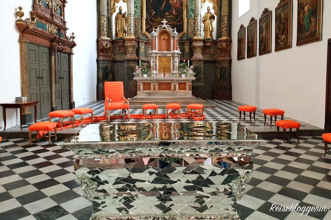 Altarraum in der Kirche St.Andrä