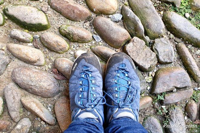Murnockerl sind Steine, die durch das Wasser in der Mur zu runden Steinen geschliffen wurden