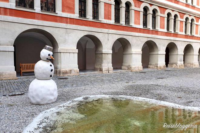 Der Schneemann in Graz besteht aus Marmor