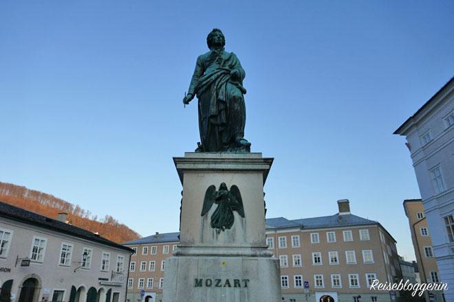 Mozartdenkmal am Mozartplatz