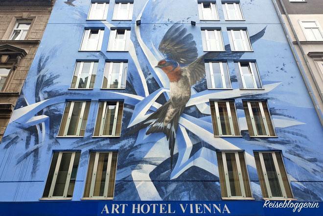 SIUZ - Fassade vom Art Hotel