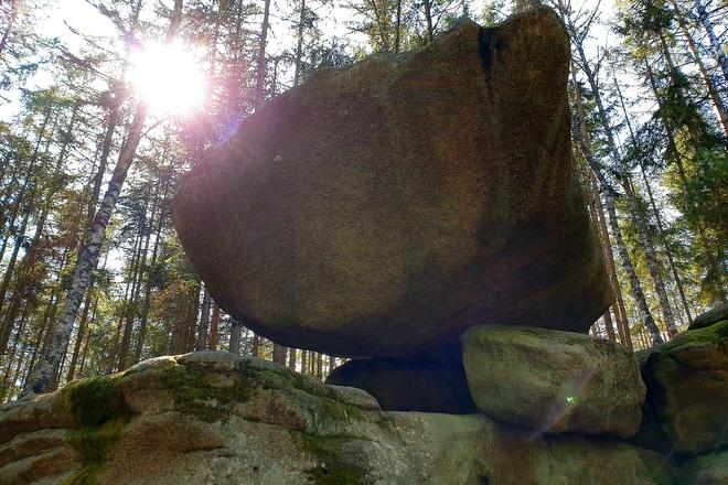 Hängender Stein , eine Felsformation bestehend aus Granit