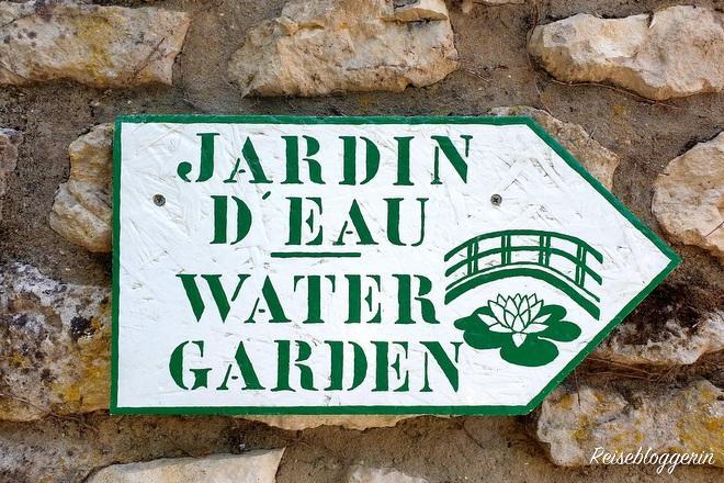 Hinweisschild zum Wassergarten