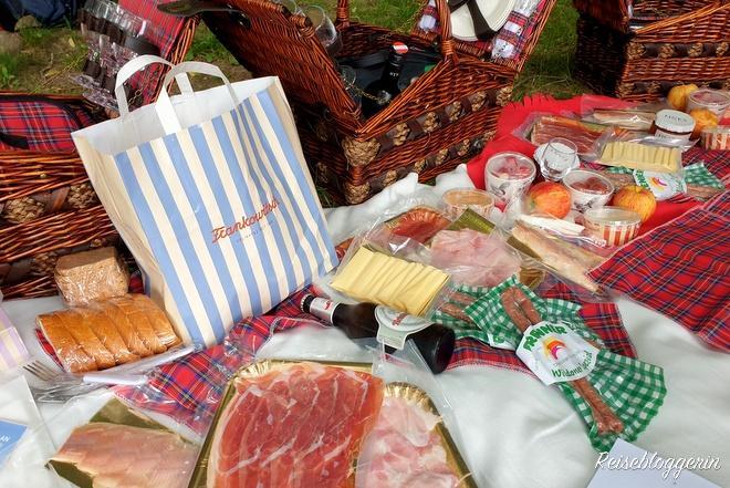 Picknickkorb gefüllt mit Leckereien vom Frankowitsch