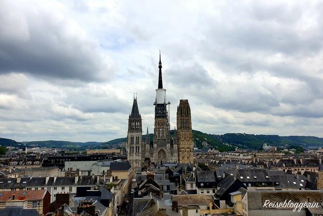 Aussicht auf die Kathedrale von Rouen vom Uhrturm aus