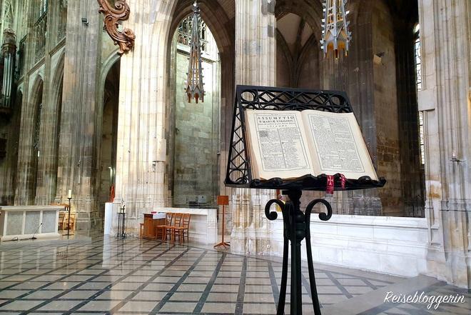 In der Kirche Saint-Maclou