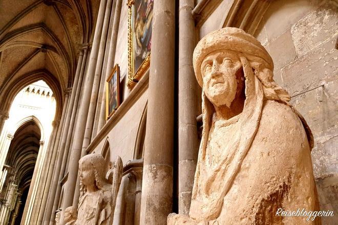 Eine Figur aus Sandstein