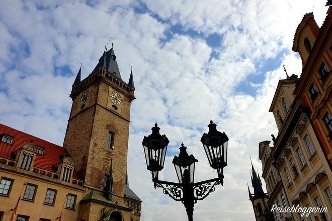 Der Altstädter Rathausturm in Prag