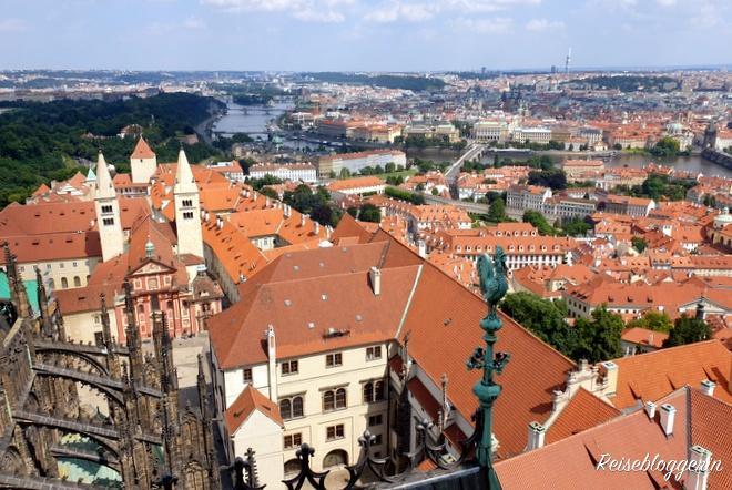 Aussicht vom Veitsdom auf Prag