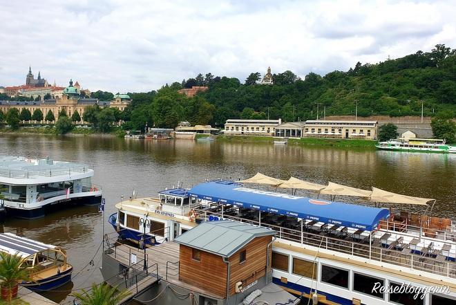 Bürgerliches Schwimmbad in Prag