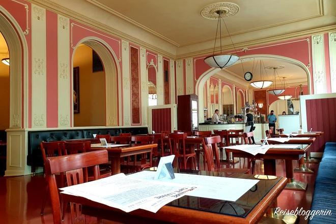 Das Café Louvre in Prag