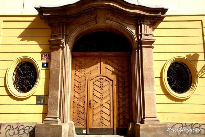 Eingangstür zum Haus zu den drei Königen