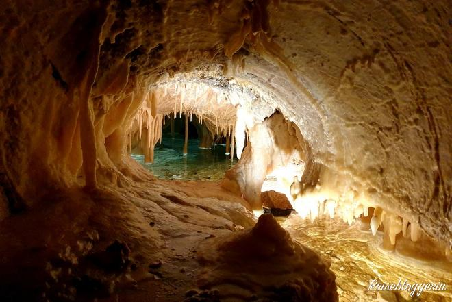 Ein See in den Obir Tropfsteinhöhlen