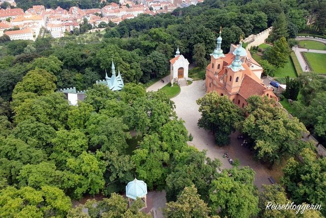 Die St.Laurentiuskirche am Petriner Hügel in Prag