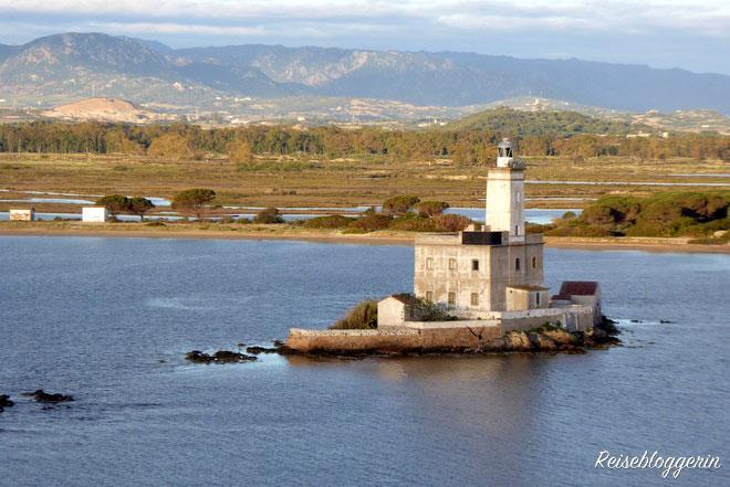 Leuchtturm vor der Küste Sardiniens