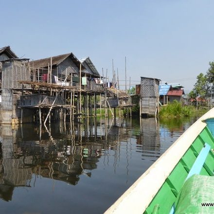 Mit dem Langboot am Inle-See